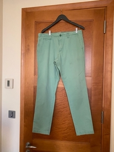 Used green GAP pants XL men 34/32 in Dubai, UAE