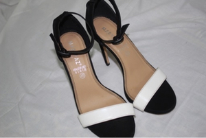 Used Shoes for ladies black color in Dubai, UAE