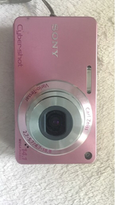 Used  Sony DCS W530 Cyber shot pink in Dubai, UAE