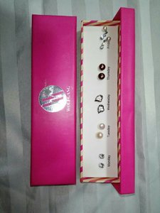 Used 10 pairs of Wolfgang Earings in Dubai, UAE