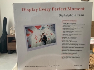 Used Digital frame  in Dubai, UAE