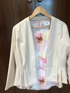 Used New Wallis blouse and jacket set in Dubai, UAE