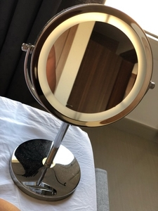 Used Mirror with lights in Dubai, UAE