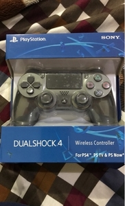 Used Sony ps4 wireless controller black in Dubai, UAE