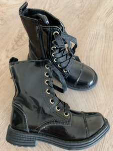 Used Patent boots for girls in Dubai, UAE