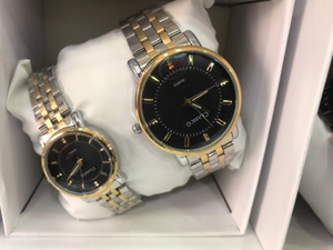 Used CLASSICO COUPLE WATCHES 2TON 👥👩‍❤️‍👨 in Dubai, UAE