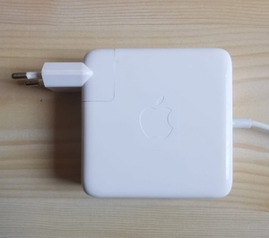 Used Apple  MagSafe 85W Charger Original in Dubai, UAE