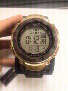 Used syngke 50 m waterproof watch in Dubai, UAE