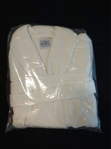 Used Bath Robe (Free Size) Brand New in Dubai, UAE