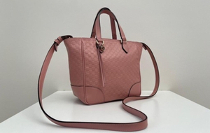 Used SALEGucci Small Bag Pink Color Authentic in Dubai, UAE