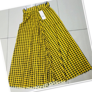 Used Skirt yellow checkered /Small ♥️ in Dubai, UAE