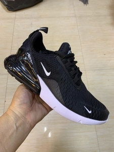 Used Nike Airmax 270 black/who 42 size in Dubai, UAE