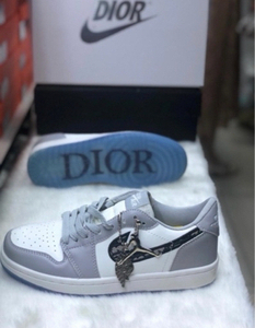 Used Nike Dior low cut 42 ( sizes 36-44) in Dubai, UAE