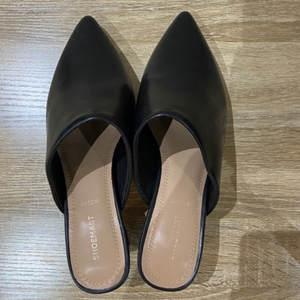 Used Shoemart shoes size 39 in Dubai, UAE