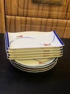Used Plates 3 plus 5 medium size from JAPAN in Dubai, UAE