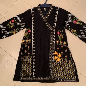 Used Kurti used once only 100 dhs 1 piece  in Dubai, UAE