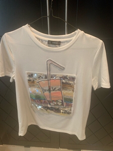 Used T shirt in xs size in Dubai, UAE