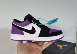 Used Nike Jordan low cut purple 42,size 40-44 in Dubai, UAE