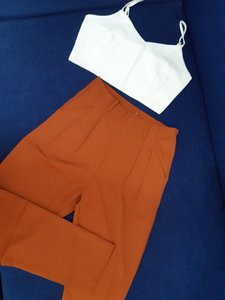 Used Crop top and Highwaist Pants in Dubai, UAE