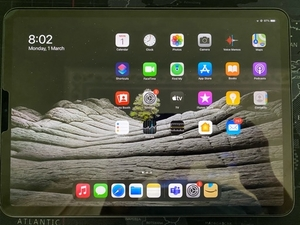 Used iPad Pro 2020 11 inch 128gb space grey in Dubai, UAE