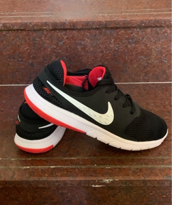 Used Nike Air size 42, new in Dubai, UAE