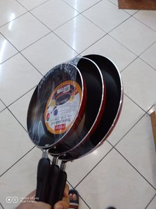 Used Frying pan 3pcs in Dubai, UAE