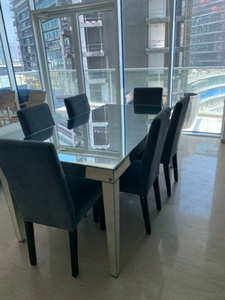 Used Mirror Table- the one in Dubai, UAE