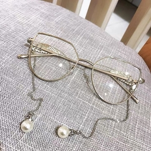 Used Vintage flat glasses in Dubai, UAE