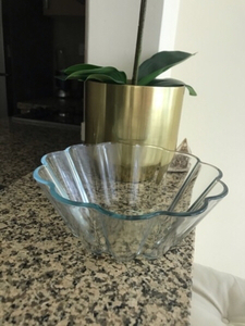 Used Glass bowl  in Dubai, UAE