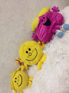 Used Yellow pink soft toys in Dubai, UAE