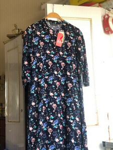 Used New floral printed🌸💙dress with tags🏷 in Dubai, UAE