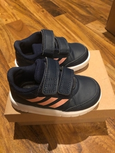 Used BABY ADIDAS SHOES size 21 (Auth)  in Dubai, UAE