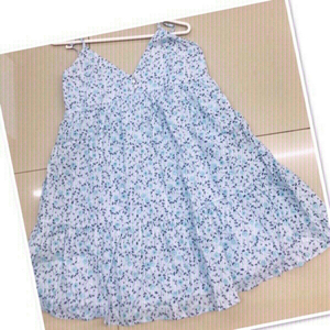 Used Blue summer floral dress / medium ♥️ in Dubai, UAE