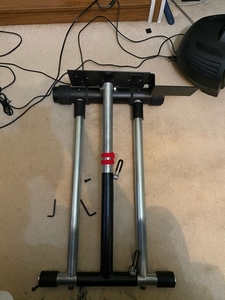 Used Wheel stand pro  in Dubai, UAE