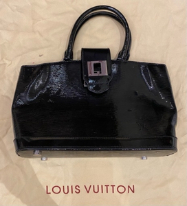 Used Louis Vuitton black handbag.   in Dubai, UAE