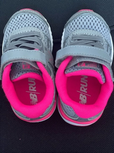 Used New balance baby sneakers girl size 20  in Dubai, UAE