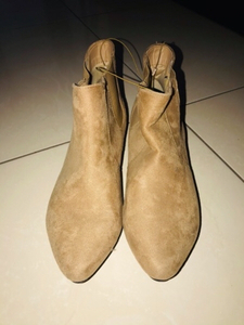 Used Shoes from max, never used, size 40 in Dubai, UAE