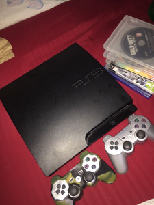 Used Ps3, 3 controllers and 30 cd price :300  in Dubai, UAE