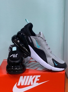 Used Nike Airmax 270 grey/blck 43size(40-45) in Dubai, UAE