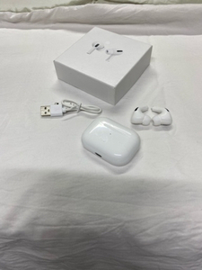 Used AirPods For android iPhone 📲 née in Dubai, UAE