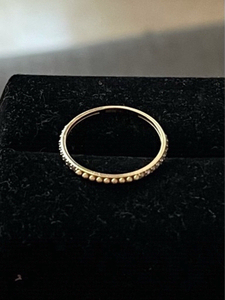 Used 18k real gold ring 1 stone is missing  in Dubai, UAE