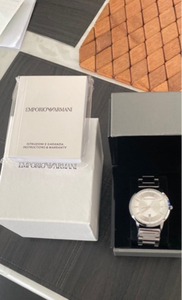 Used Souvenirs watches for casual wear in Dubai, UAE