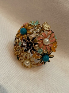 Used Fashion flowers ring gold plated  in Dubai, UAE