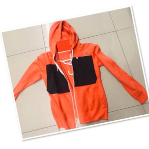 Used Orange Hoodie / Small ♥️ in Dubai, UAE