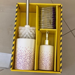 Used Never used brand new toilet accessories in Dubai, UAE