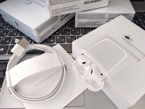 Used ✅Apple Airpods 2+free case by Jennmart  in Dubai, UAE
