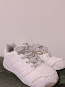 Used sneakers Adidas  in Dubai, UAE
