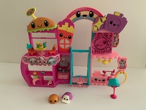 Used Polly Pocket & Kawaii Play Set Bundle in Dubai, UAE