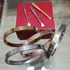Used Cartier Bangle in Dubai, UAE