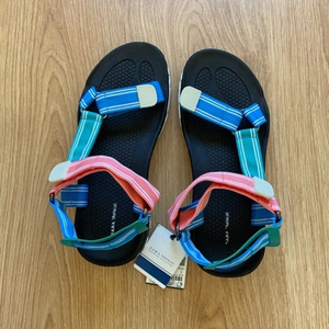 Used ZARA sporty sandals (size 39) in Dubai, UAE